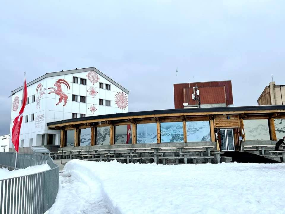 Berghaus Diavolezza Graubünden