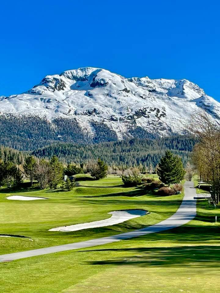 Golf Day With a GraubündenCaddy - A Complimentary Service!