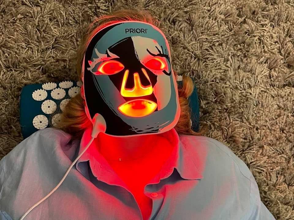 Priori UnveiLED Face Mask